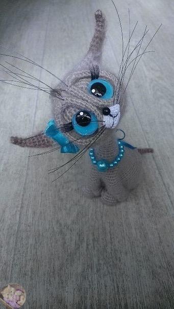 Амигуруми котенок