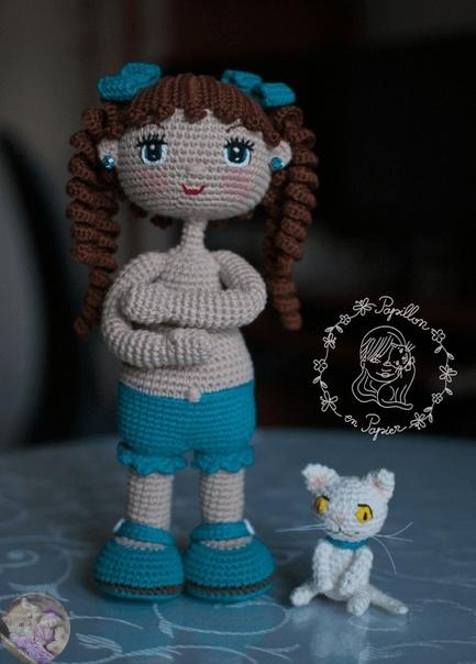 Готовая вязаная кукла