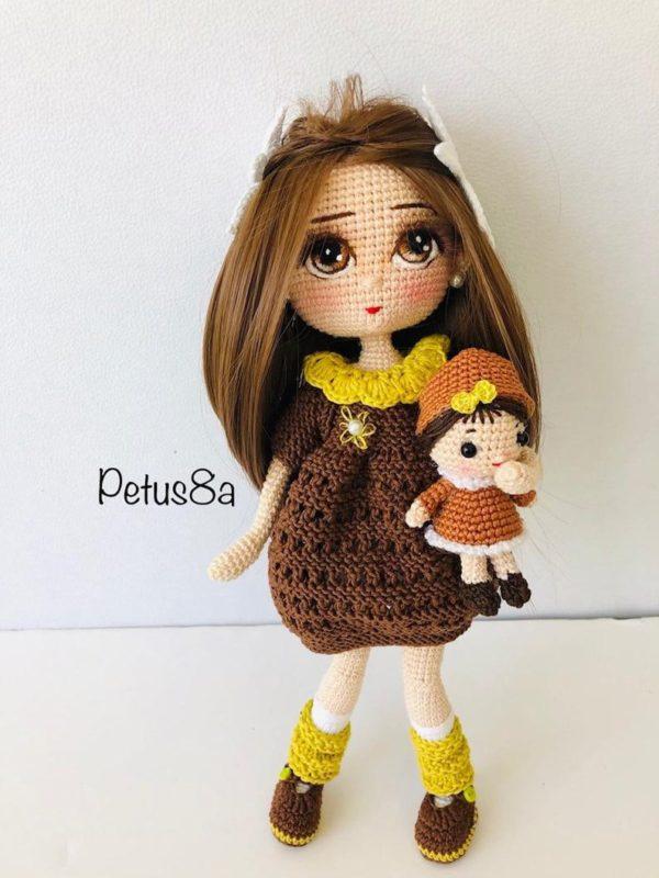 Красивая кукла крючком по подробному МК с фото