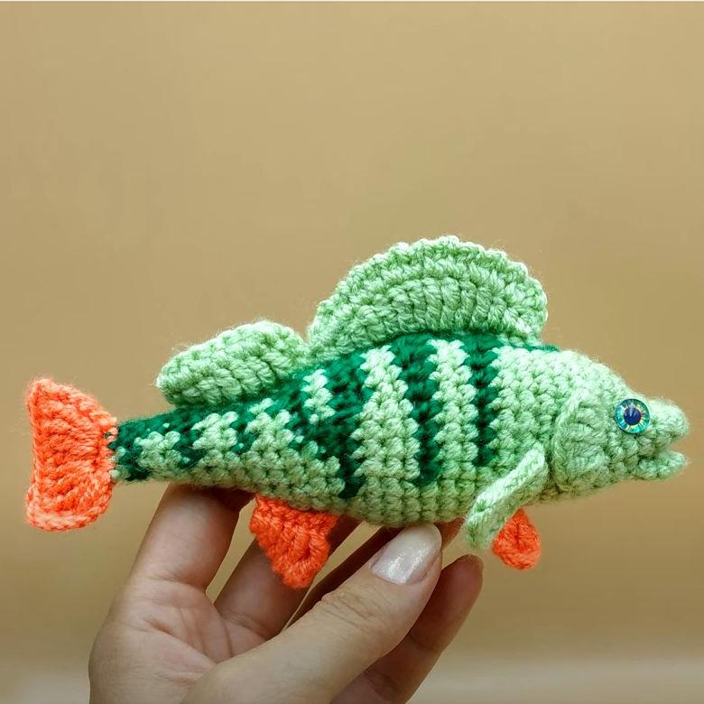 Схема вязания рыбки окунь: видео МК по вязанию крючком