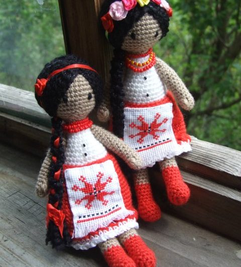 Кукла крючком в национальном костюме