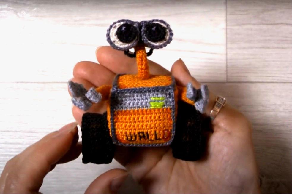 Амигуруми Валли крючком с подробным видео МК