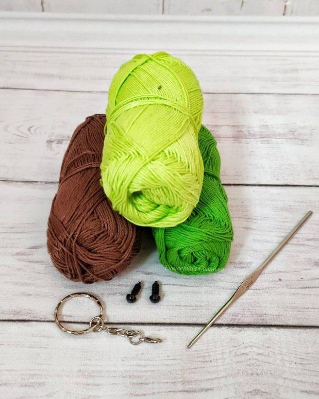 Необходимая для вязания пряжа