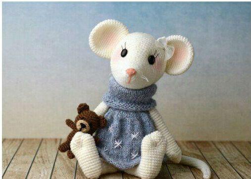 Мышка крючком в платье