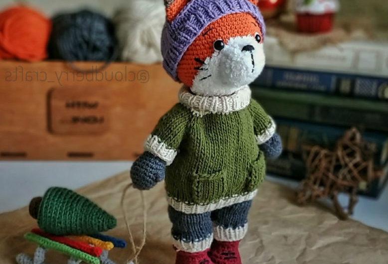 Амигуруми лис в свитере