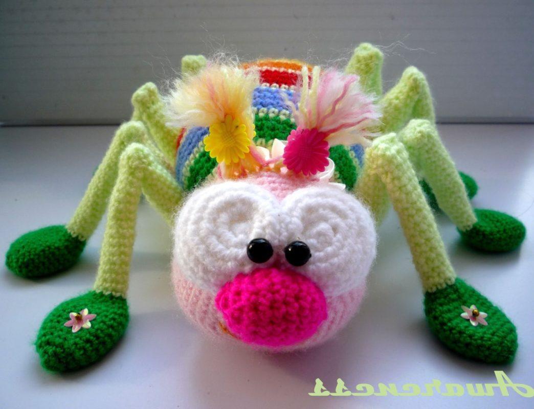 Амигуруми радужный паук крючком с переводом схемы вязания
