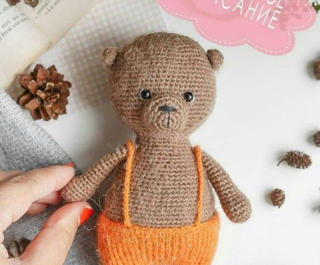 Вяжем маленького медвежонка крючком