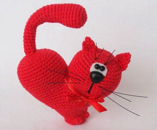 Схема вязания кошечки валентинки крючком