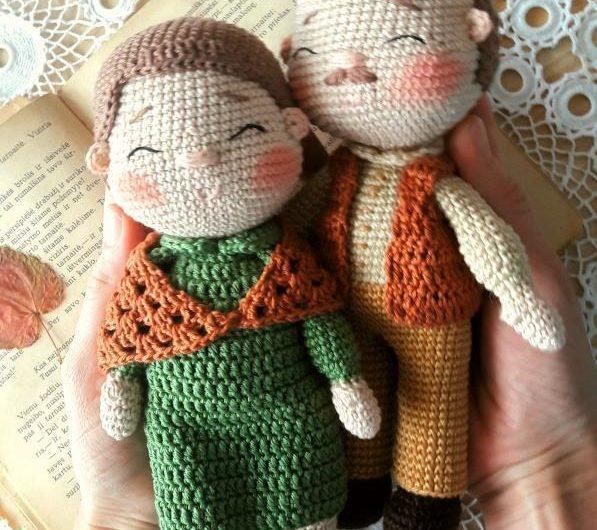 Простая схема вязания дедушки и бабушки крючком с переводом
