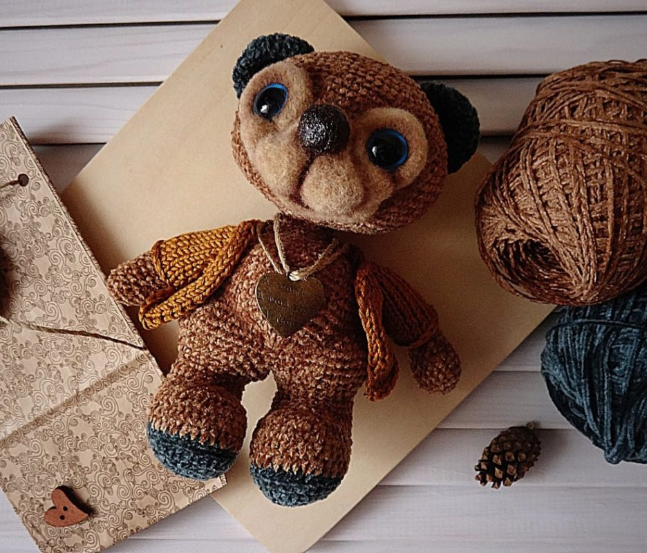 Пошаговая схема вязания медведя крючком из велюровой пряжи