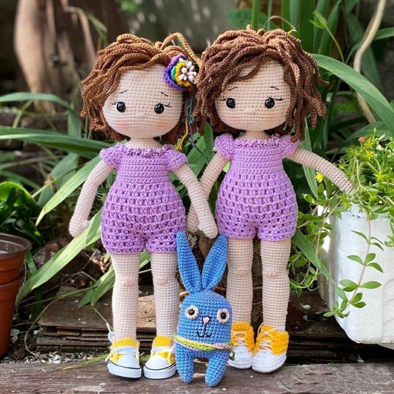 Схема вязания куклы Джини с кроликом крючком с описанием и фото